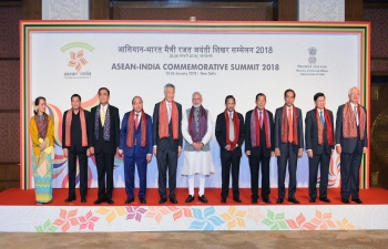 PM Narendra Modi with ASEAN Heads of State/Governments and ASEAN Secretary General on the occasion of the release of postal stamps to commemorate silver jubilee of India and ASEAN partnership on 25 January 2018.